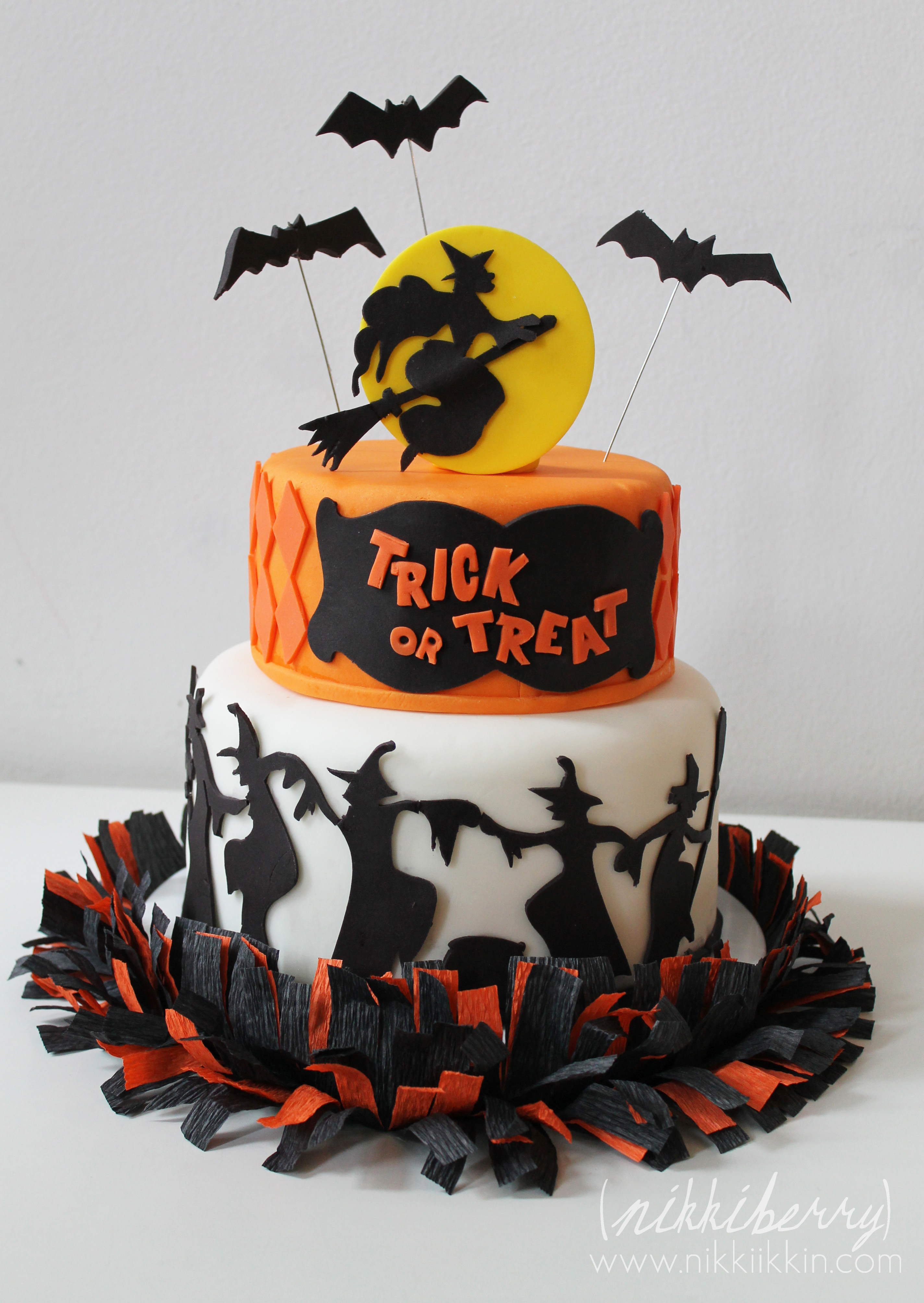 dancing witches halloween cake
