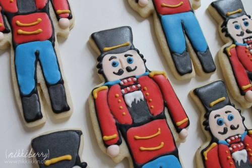 nikkiikkin nutcracker cookies 6