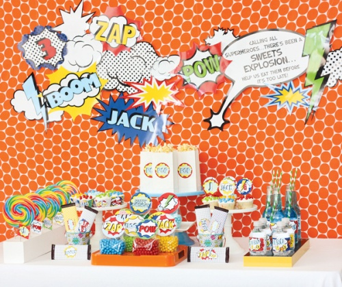 superhero-vintage-bright-dessert-table