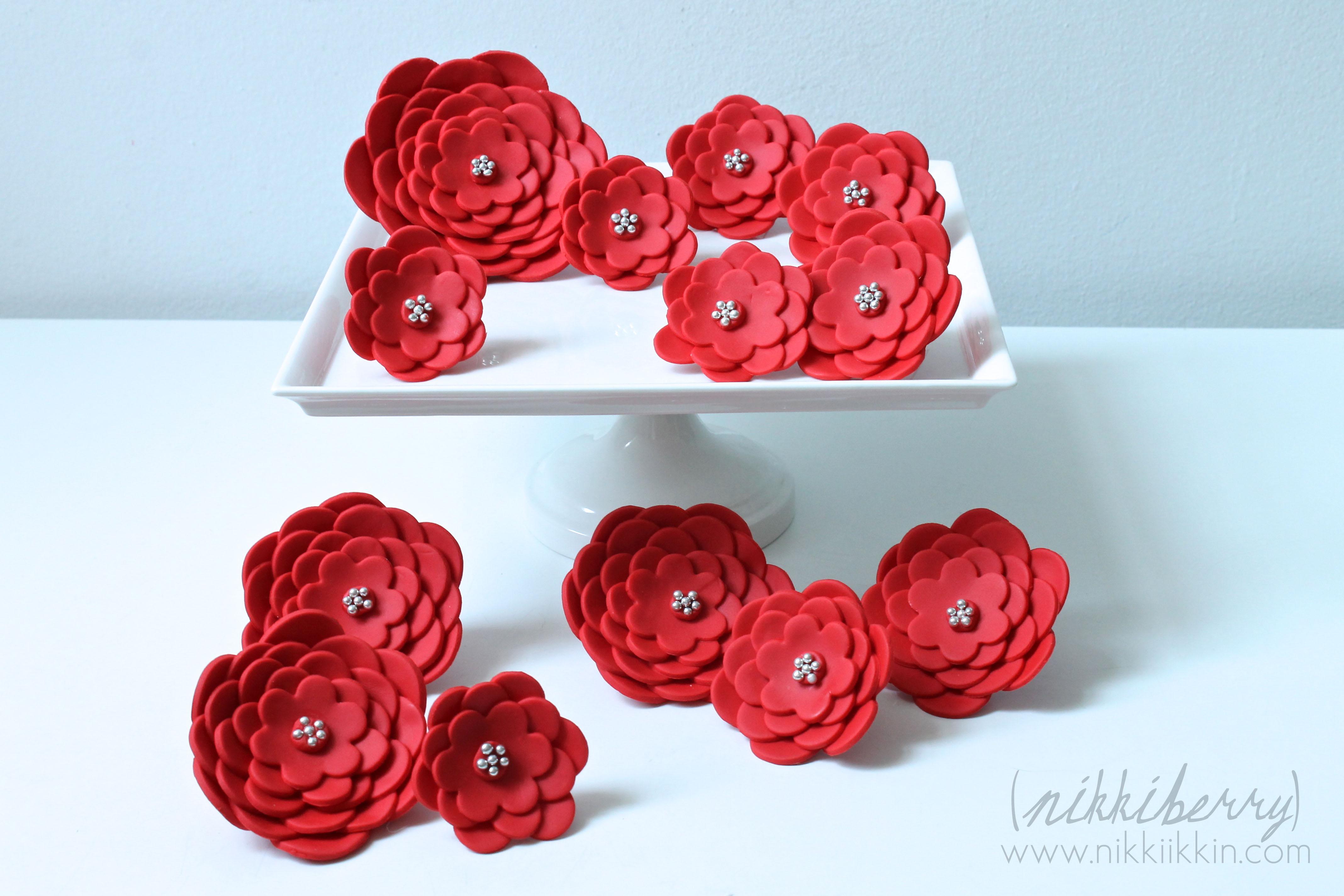 Modern diy cakes nikkiikkin cake flowers 1 izmirmasajfo