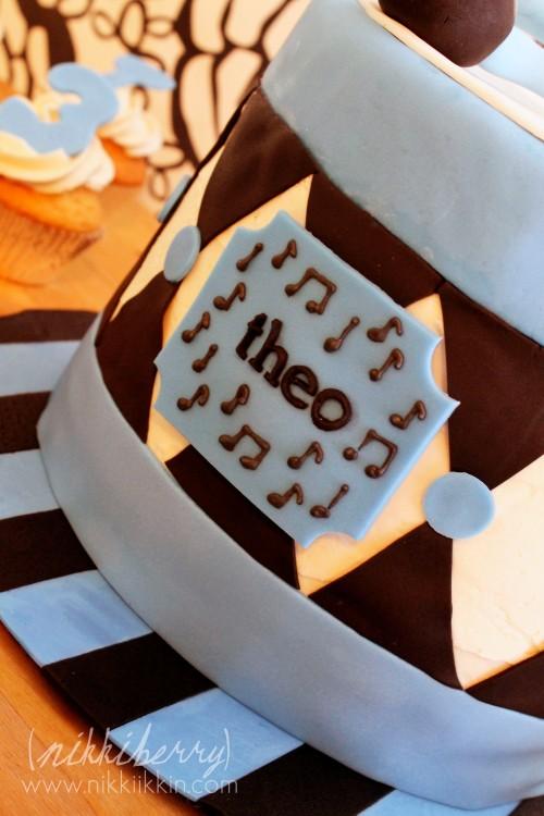 nikkiikkin drum cake 4