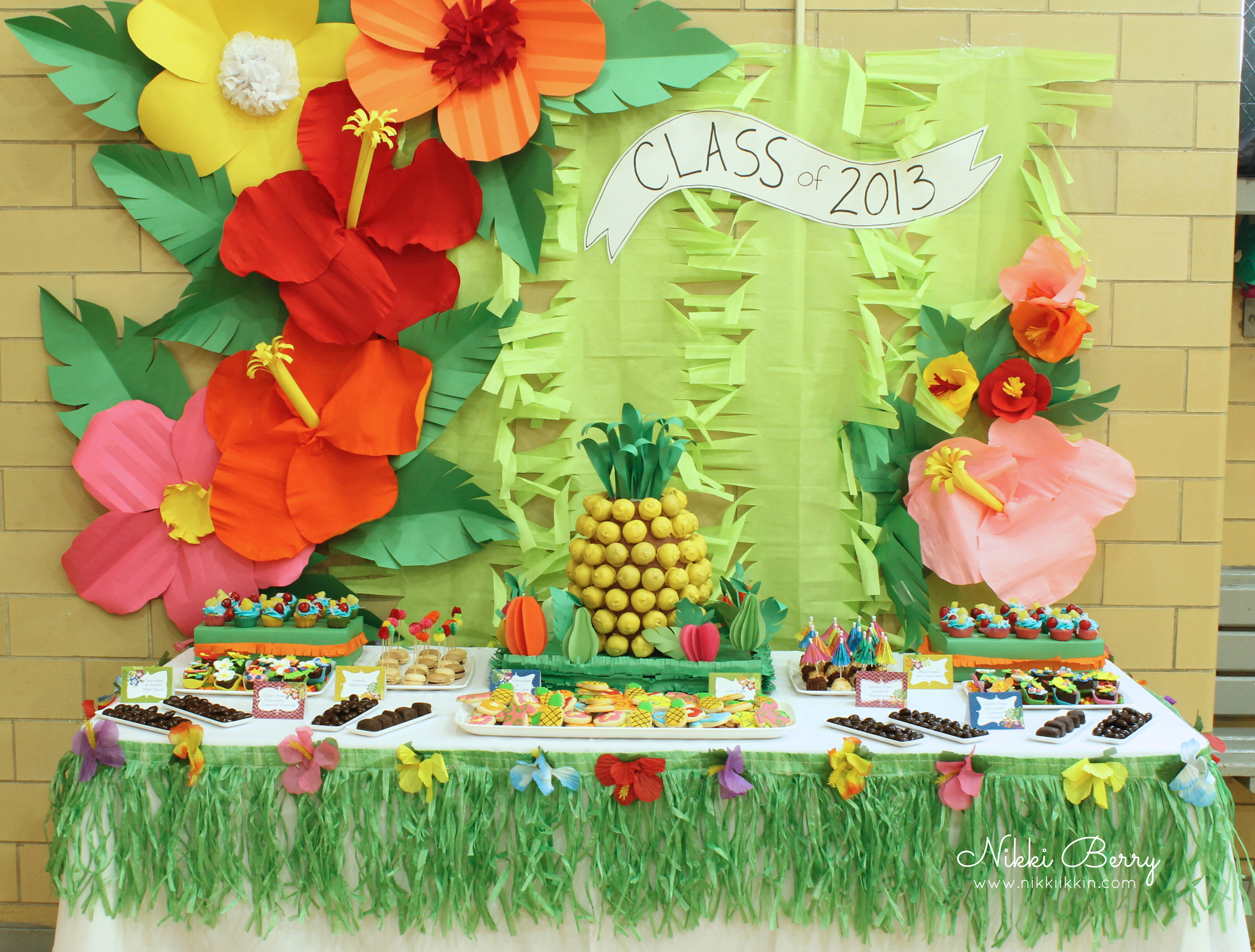 Luau dessert table for Hawaiin decorations