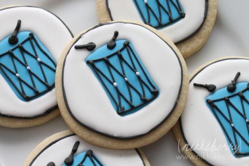 nikkiikkkin drum cookies