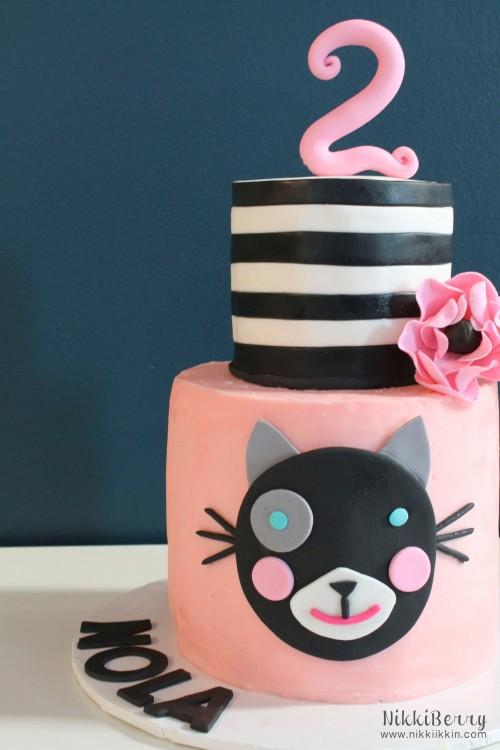 nikkiikkin nola cake 1