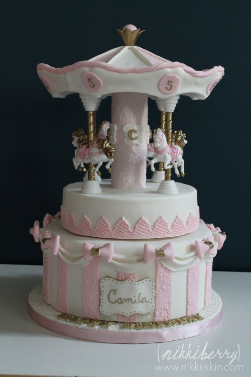 Cake Decorating Carousel : A Very Special Carousel Cake