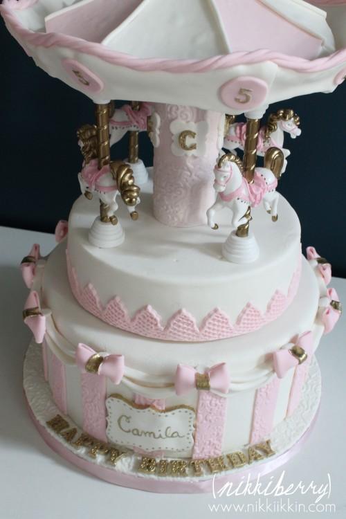 Nikkiikkin carousel cake 2