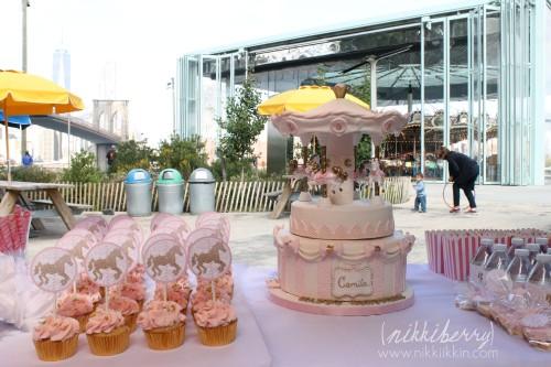 Nikkiikkin carousel cake 5
