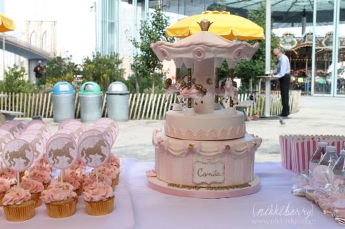 Nikkiikkin carousel cake 6